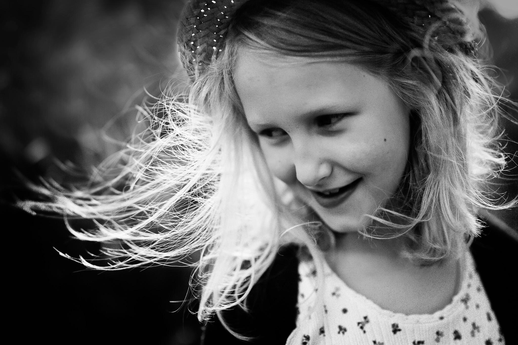 zwart-wit portret meisje